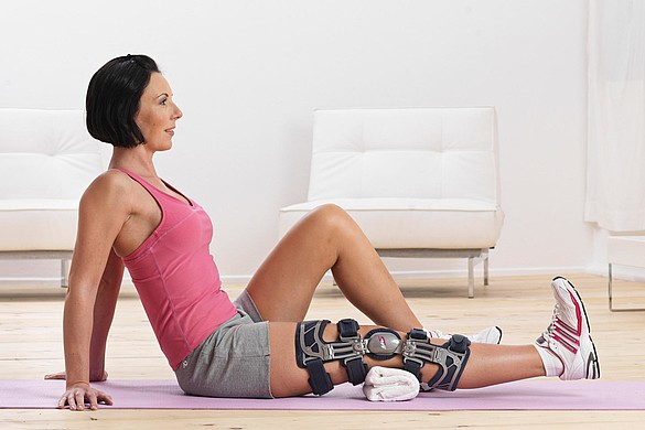 medi M.4s OA knee brace - medi M.4s OA knee brace