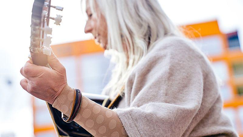 Ursula Thomé wears the new mediven fashion-element dots